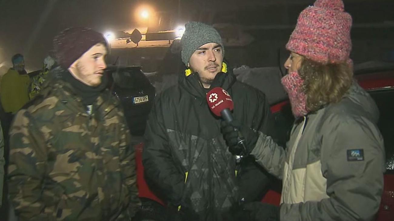 Los primeros esquiadores llegan a Valdesquí, reabierta tras las últimas nevadas