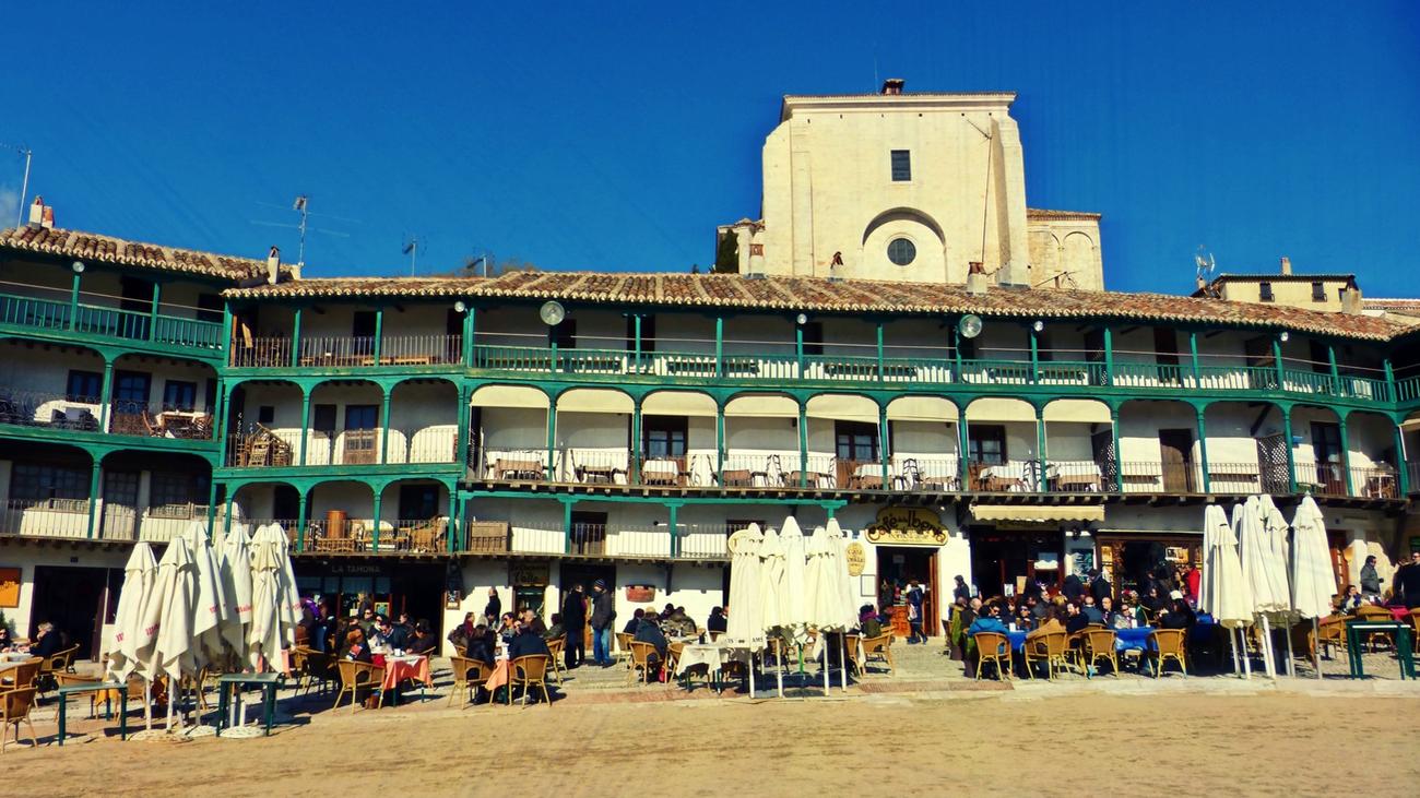 Chinchón, portada de la guía de los pueblos más bonitos de España
