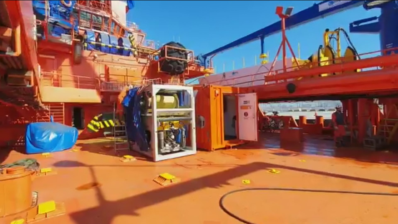Halladas cerca de Barbate dos balsas que confirman el naufragio del pesquero