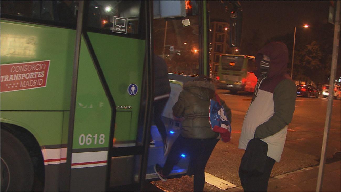 Madrid impulsa paradas de buses a demanda para mujeres y menores en seis líneas
