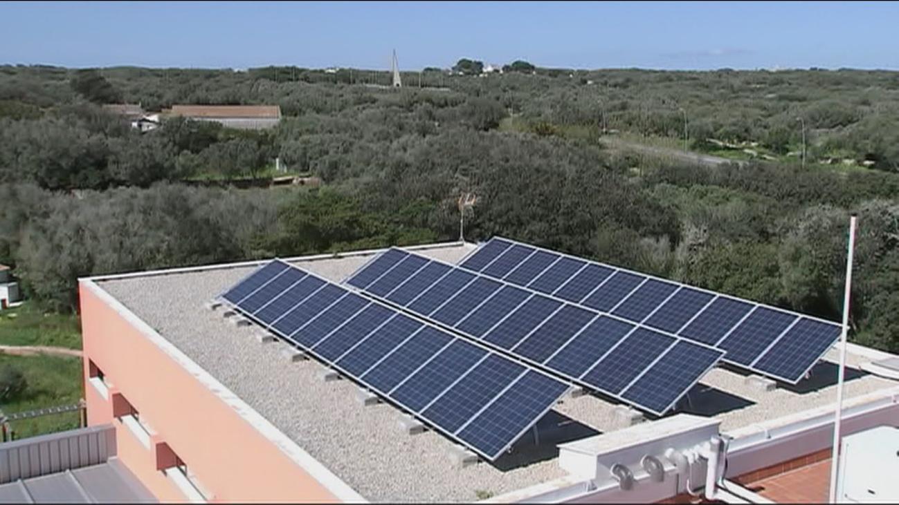 Paneles solares en los edificios de Madrid