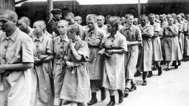 Recordamos el 75 aniversario del final de Auschwitz, con la embajadora de Israel