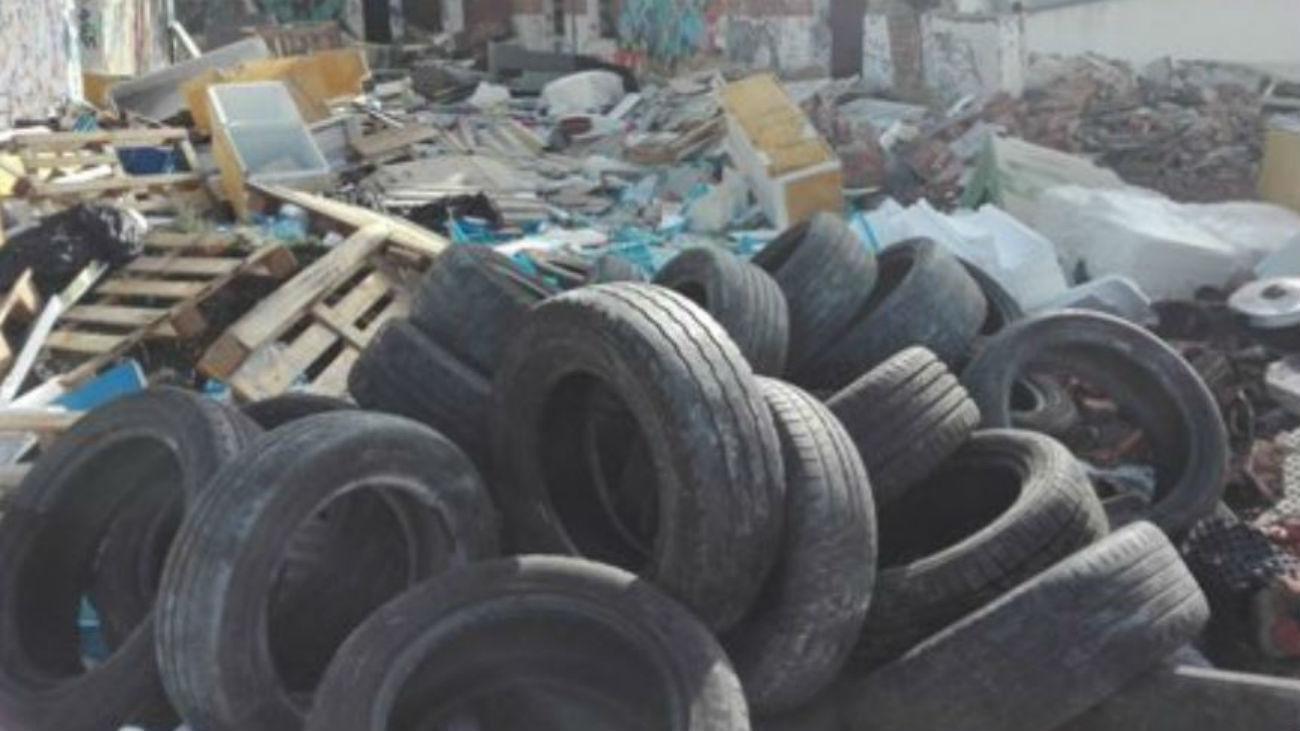 Vertedero ilegal en Pinto (Foto: @alcabodelacalle)
