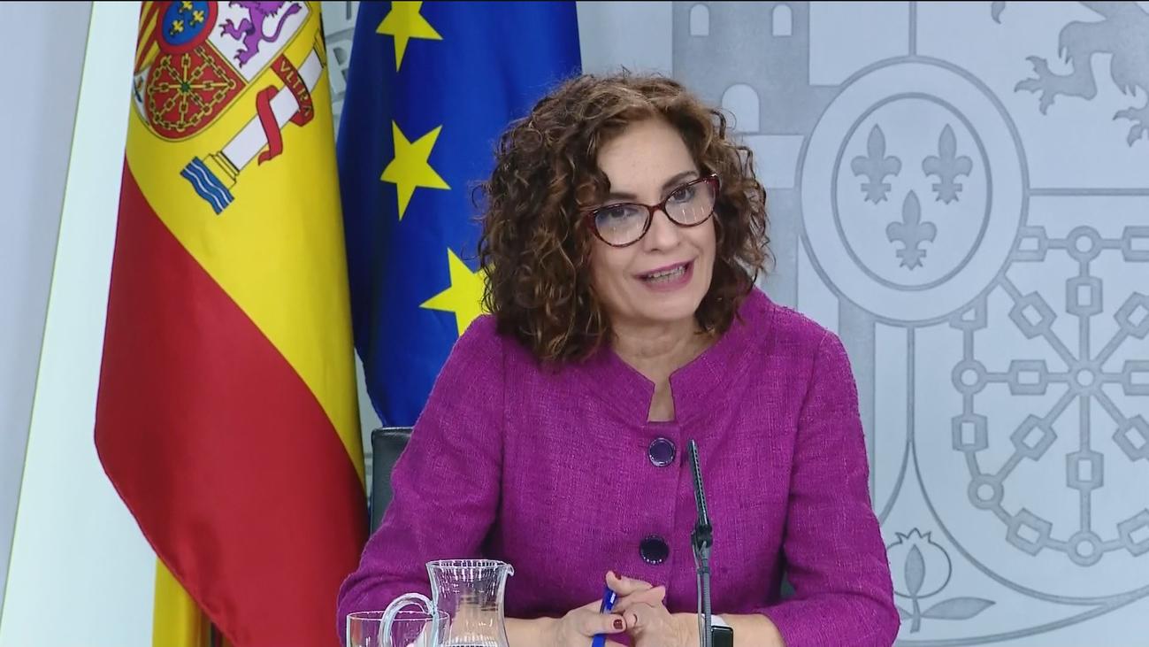 """Montero dice que Sánchez mantiene su """"hoja de ruta"""" respecto al diálogo en Cataluña"""