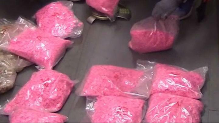 Detenido con más de 20.000 pastillas de éxtasis rosa en la estación de autobús de Méndez Alvaro
