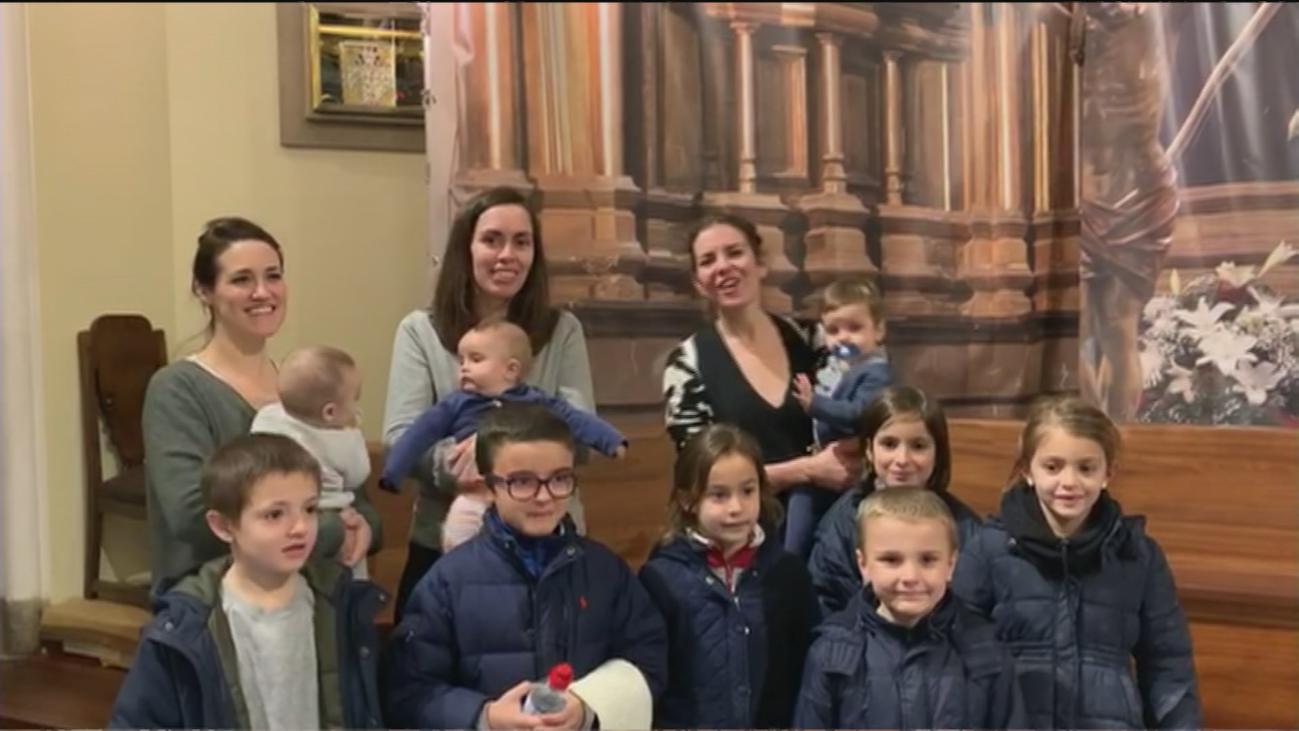 Los niños tienen este domingo una cita con la Virgen de La Paloma en la Fiesta de las Candelas