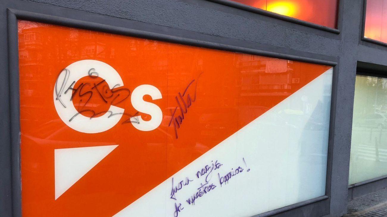Denuncian pintadas contra Ciudadanos en su sede de Leganés