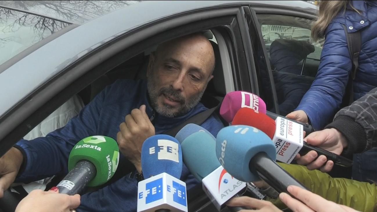 """Los españoles en el Gómez Ulla reciben la visita de sus familiares: """"Están muy bien de moral"""""""