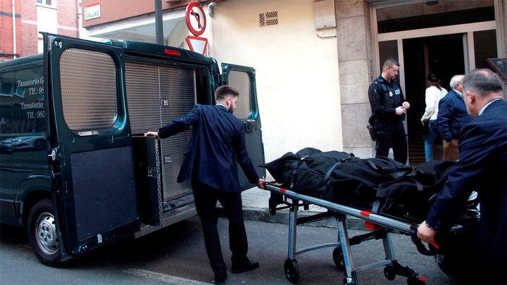 Hallan muerta a una mujer en su casa de Gijón y buscan a su expareja