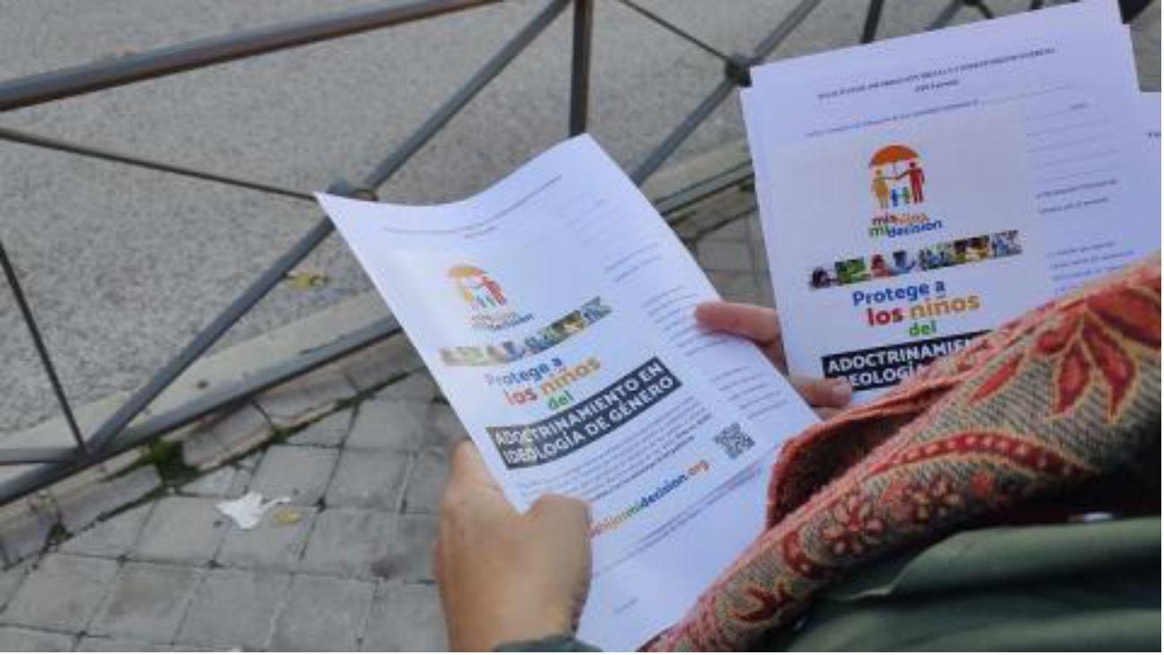 Leganés impedirá repartir folletos de Hazte Oir en las puertas de los colegios