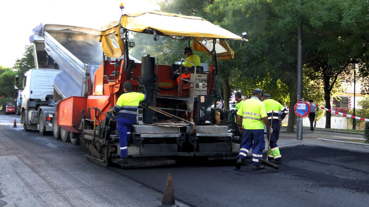 La glorieta de Camarma de Alcalá de Henares sufrirá cortes al tráfico desde este lunes por trabajos de asfaltado