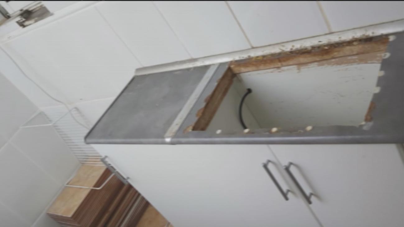 Alquila su casa en Alcalá a una pareja con dos hijos menores y se la devuelven destrozada