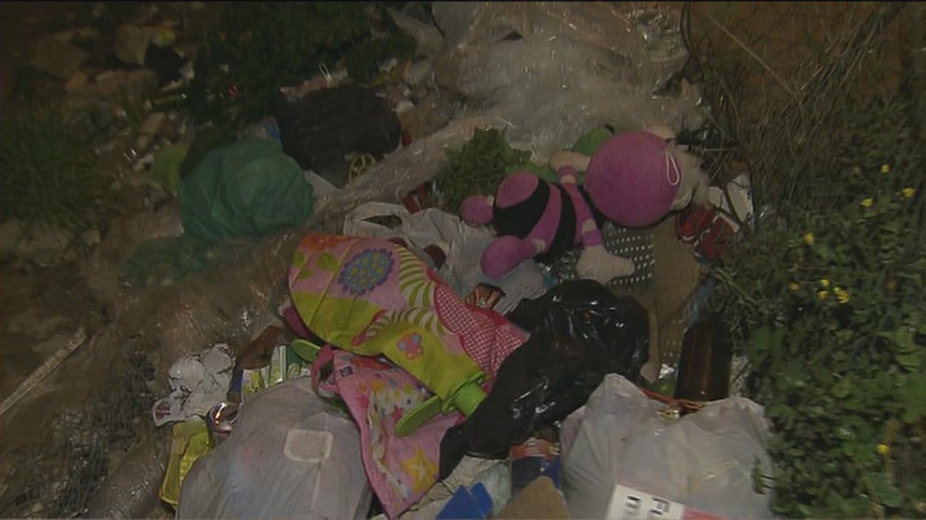 Denuncian un descampado que se ha convertido en un nido de delincuencia en Vallecas