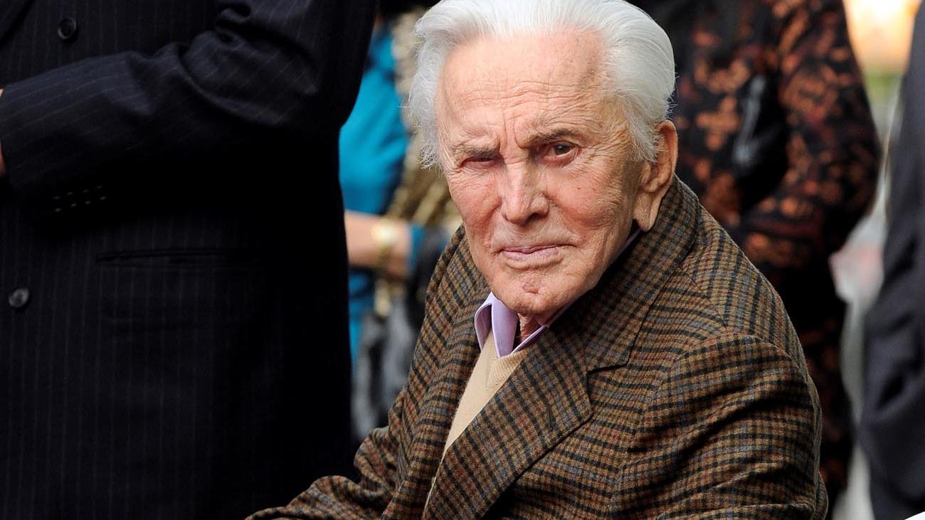 Kirk Douglas, leyenda del cine, muere a los 103 años