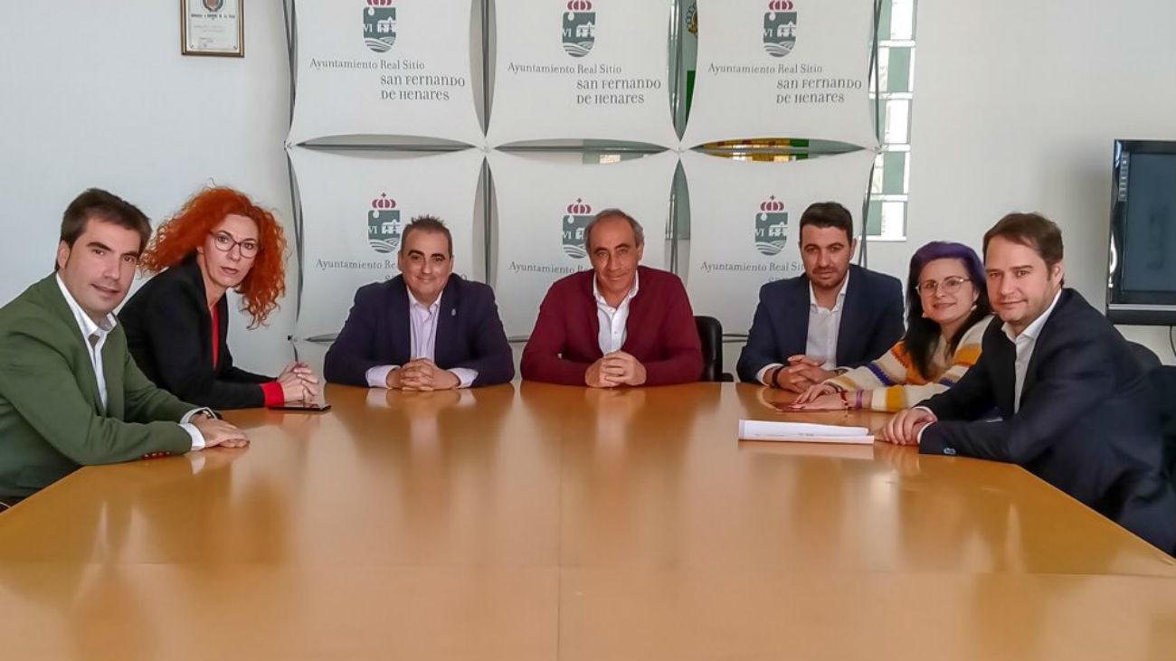 Los alcaldes del Corredor del Henares piden a AENA un nuevo estudio de impacto del aeropuerto de Barajas