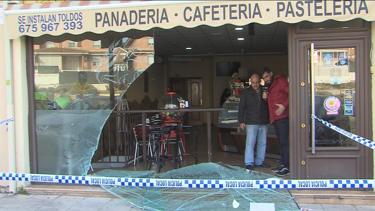 Nuevo robo con el método del alunizaje en una pastelería de Arroyomolinos