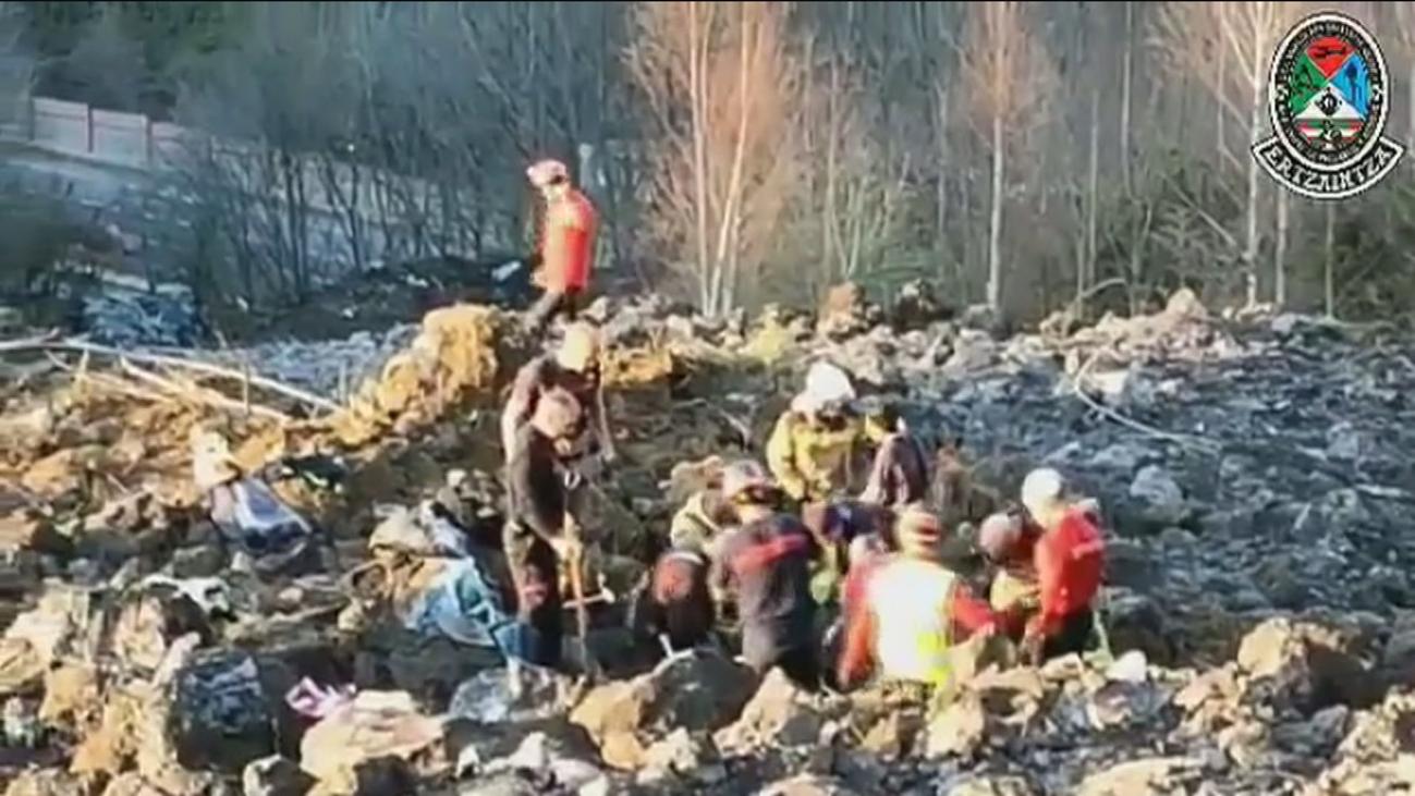 Una empresa especializada reanudará la búsqueda de los operarios desaparecidos en el vertedero de Zaldibar