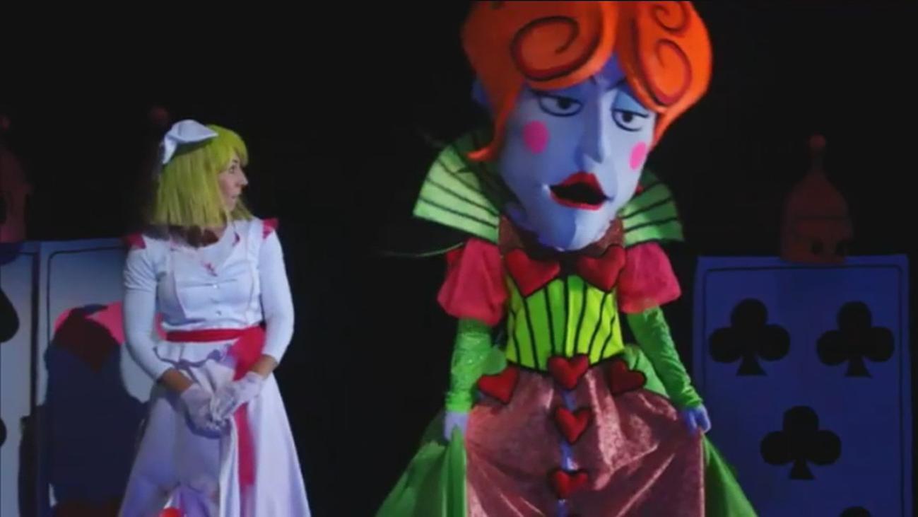 Teatro negro en el Marquina con 'Alicia en el país de las maravillas'