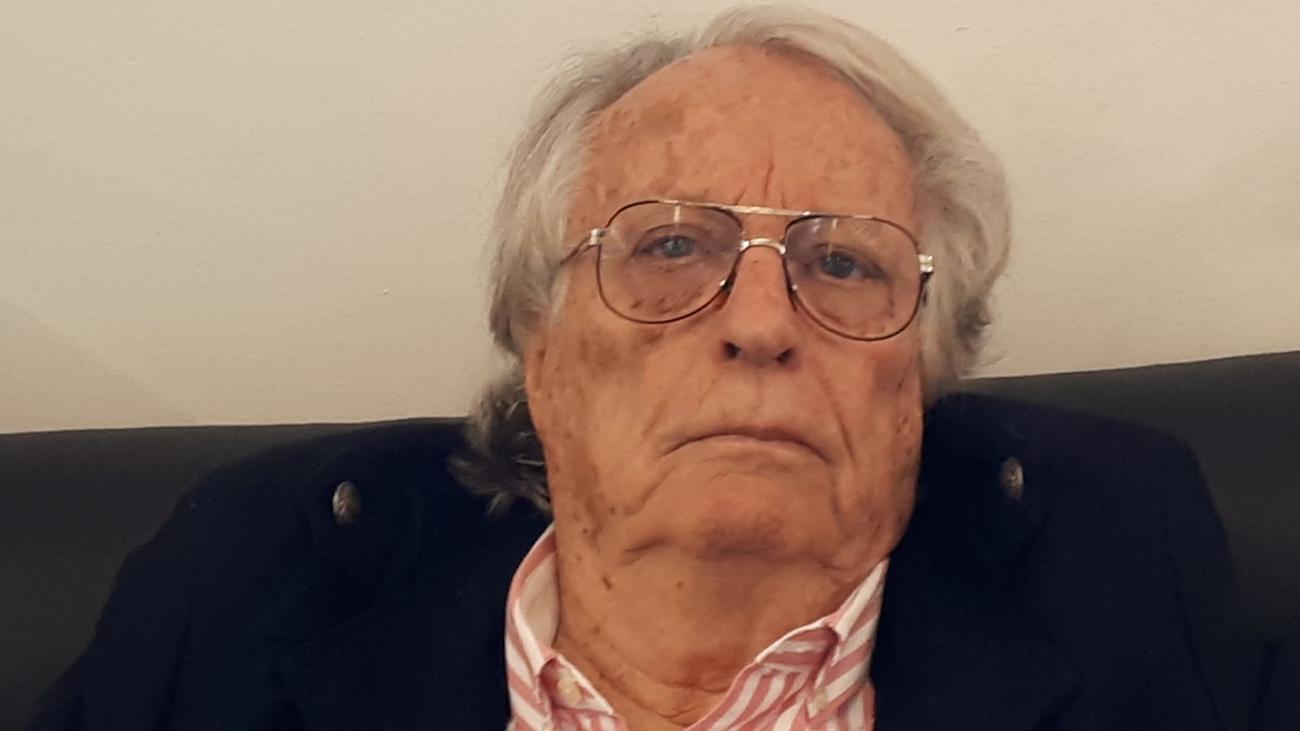 """Alberto Vázquez-Figueroa: """"Los desechos tecnológicos están contaminando el agua del planeta"""""""