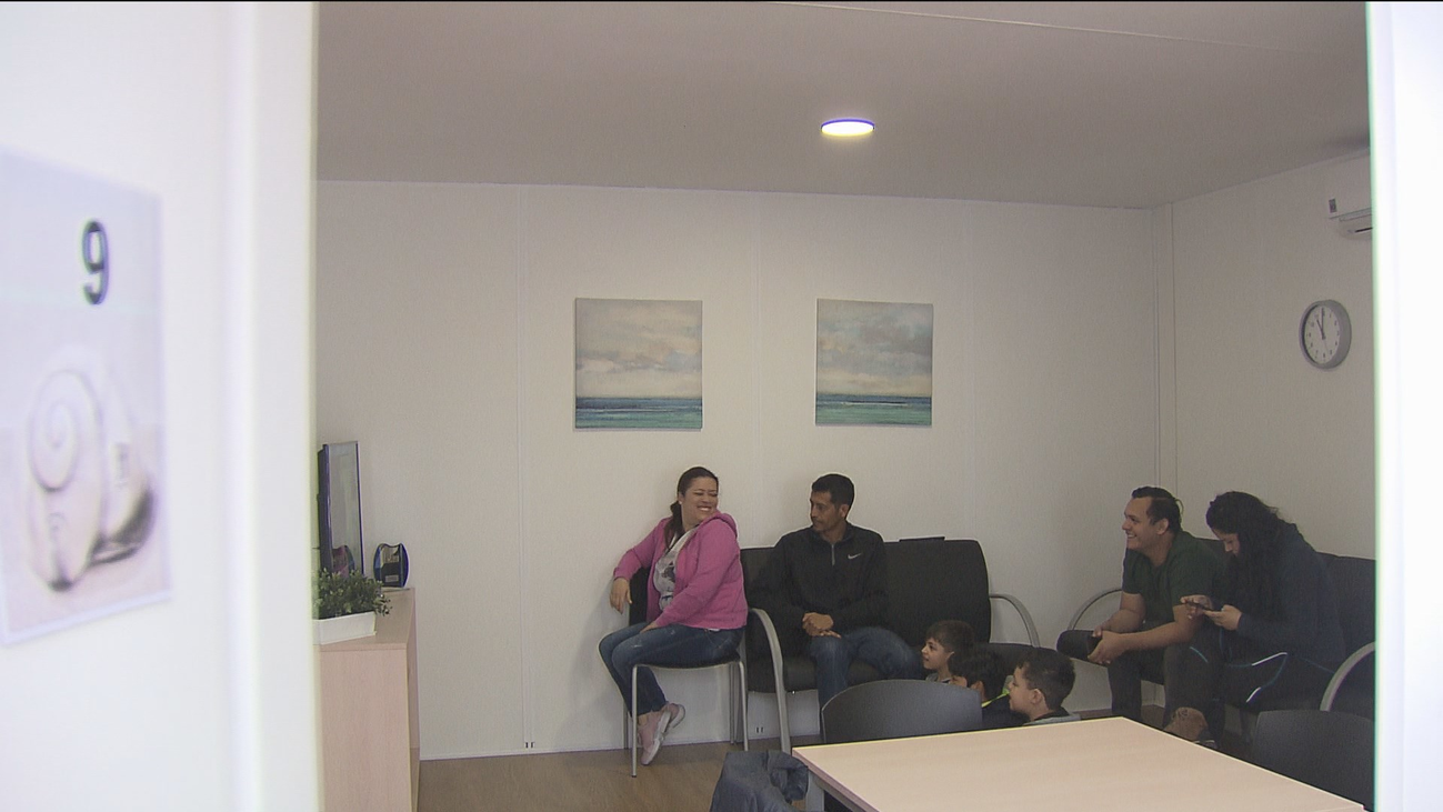 Los primeros refugiados ya están instalados en el centro temporal de Vallecas