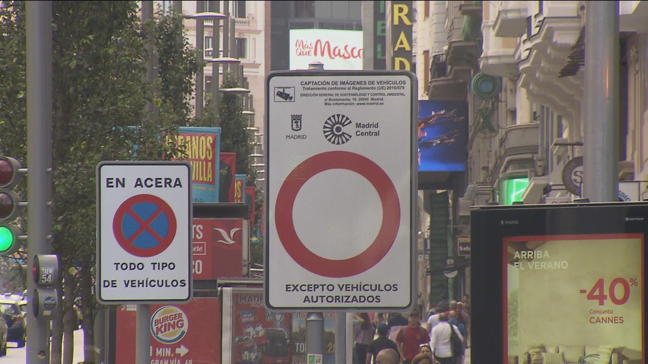 Una juez de Madrid impide multar por separado los accesos repetidos a zonas restringidas al tráfico