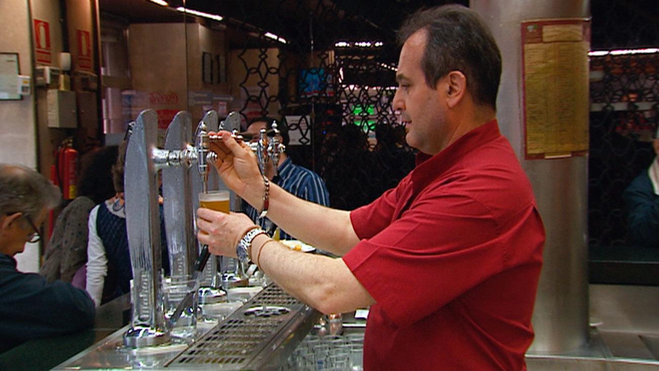 Camarero en un bar