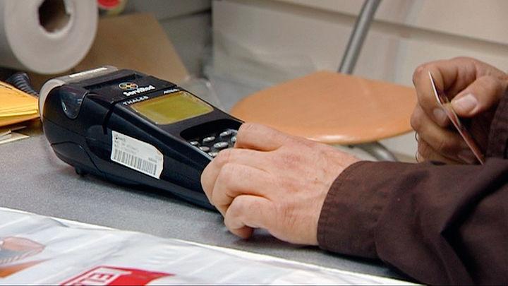 ¿Adiós al dinero metálico?: Tan sólo el 24% de los pagos se realizaron en efectivo en abril
