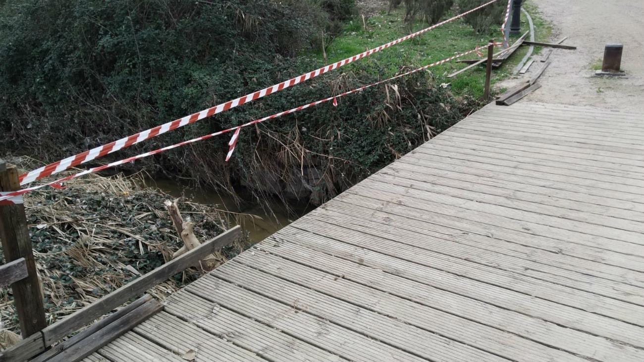 Puente de la avenida Félix Rodríguez de la Fuente de Arroyomolinos