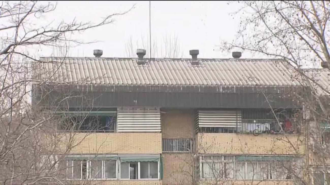 Vecinos de Orcasitas luchan contra el amianto aún sin las ayudas de la Comunidad de Madrid