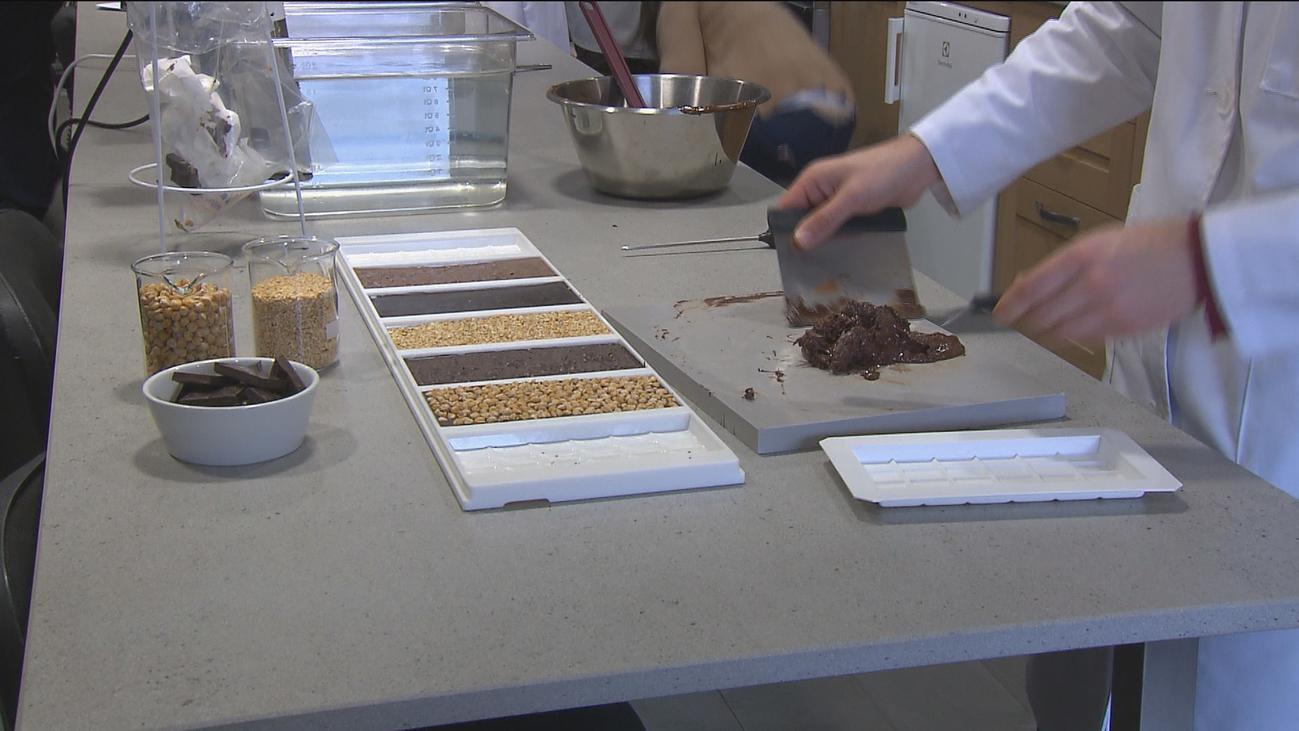 El IMIDRA une chocolate con garbanzos para que los jóvenes tomen legumbres