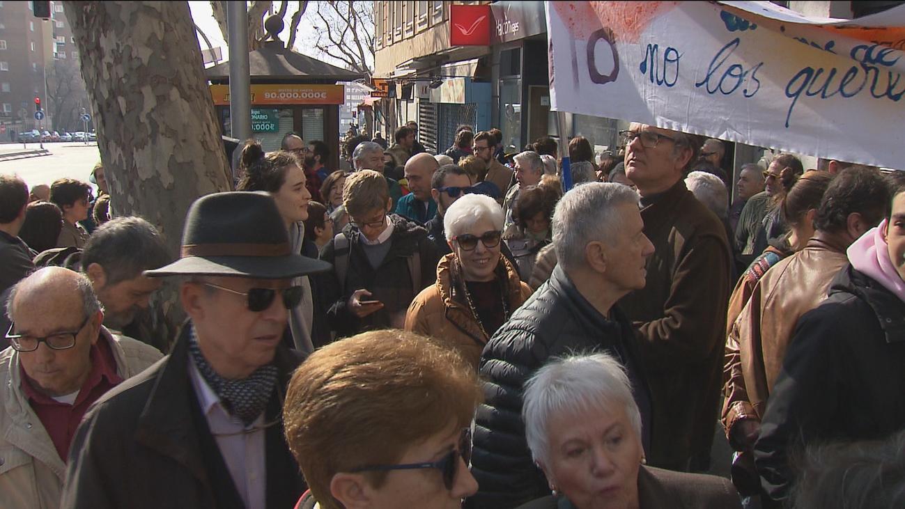 Los vecinos de Retiro protestan contra una casa de apuestas