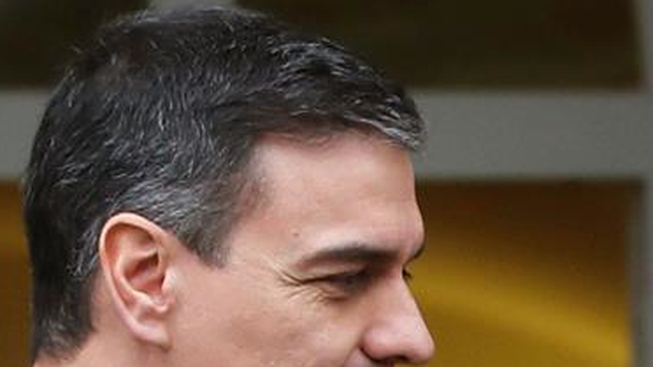 Sánchez y Casado se reúnen por primera vez  desde la investidura