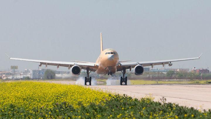 """España pide a Europa  una """"respuesta coordinada"""" para impedir vuelos desde Reino Unido"""
