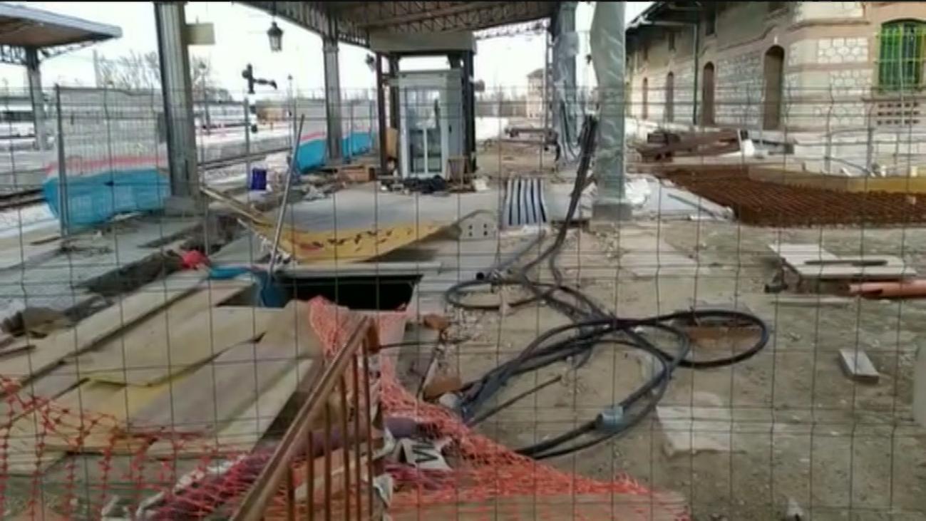 Denuncian que la estación de Cercanías de Aranjuez lleva seis meses con unas obras paralizadas