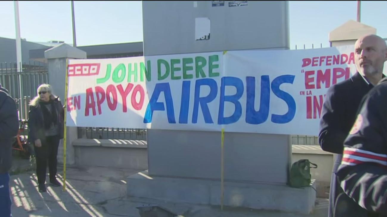 Primera concentración de los trabajadores de Airbus en Getafe en contra del ERE anunciado