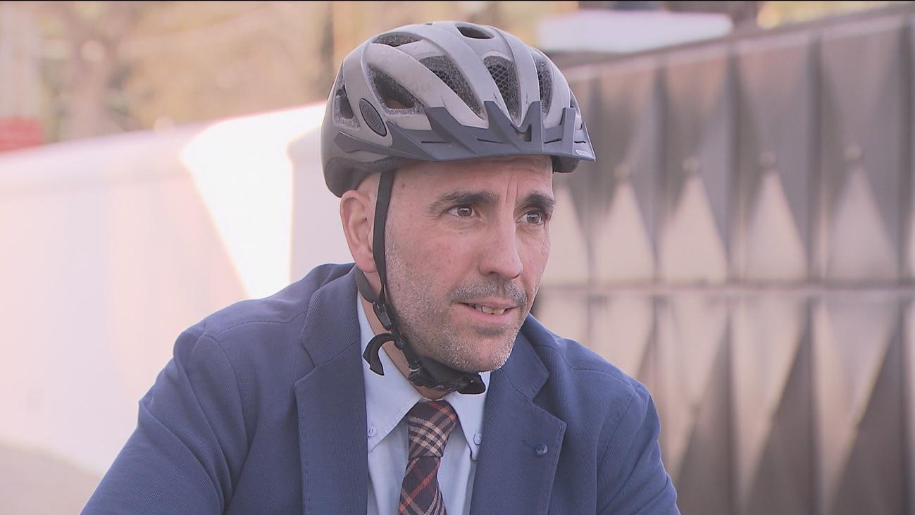 Se llama Jaime Novo y es el primer alcalde de la bicicleta de Madrid