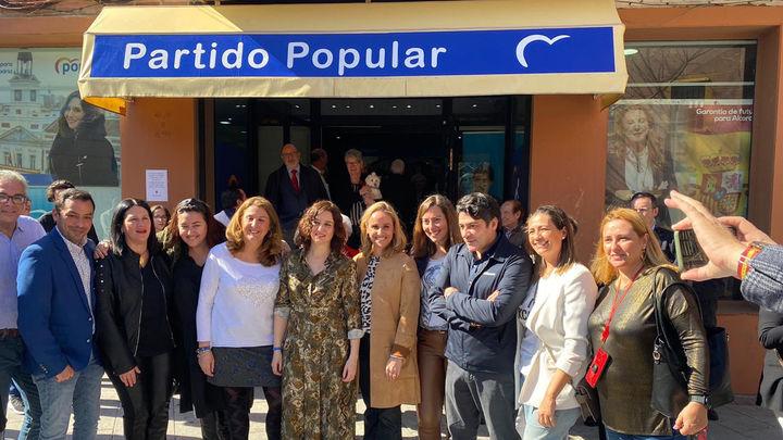 Ayuso y David Pérez inauguran una nueva sede del PP en Alcorcón
