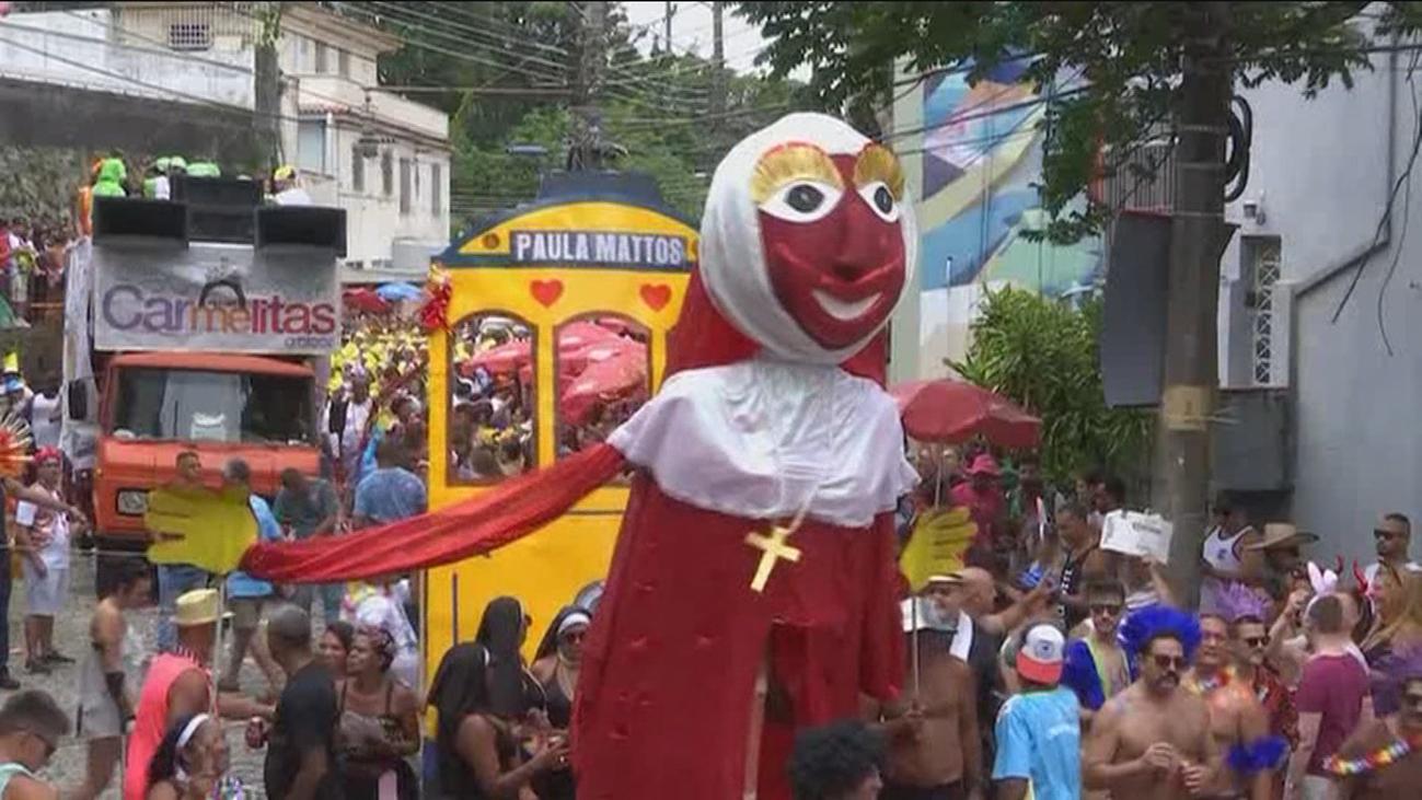 Arranca el carnaval de Brasil con la 'Fiesta de las Carmelitas'