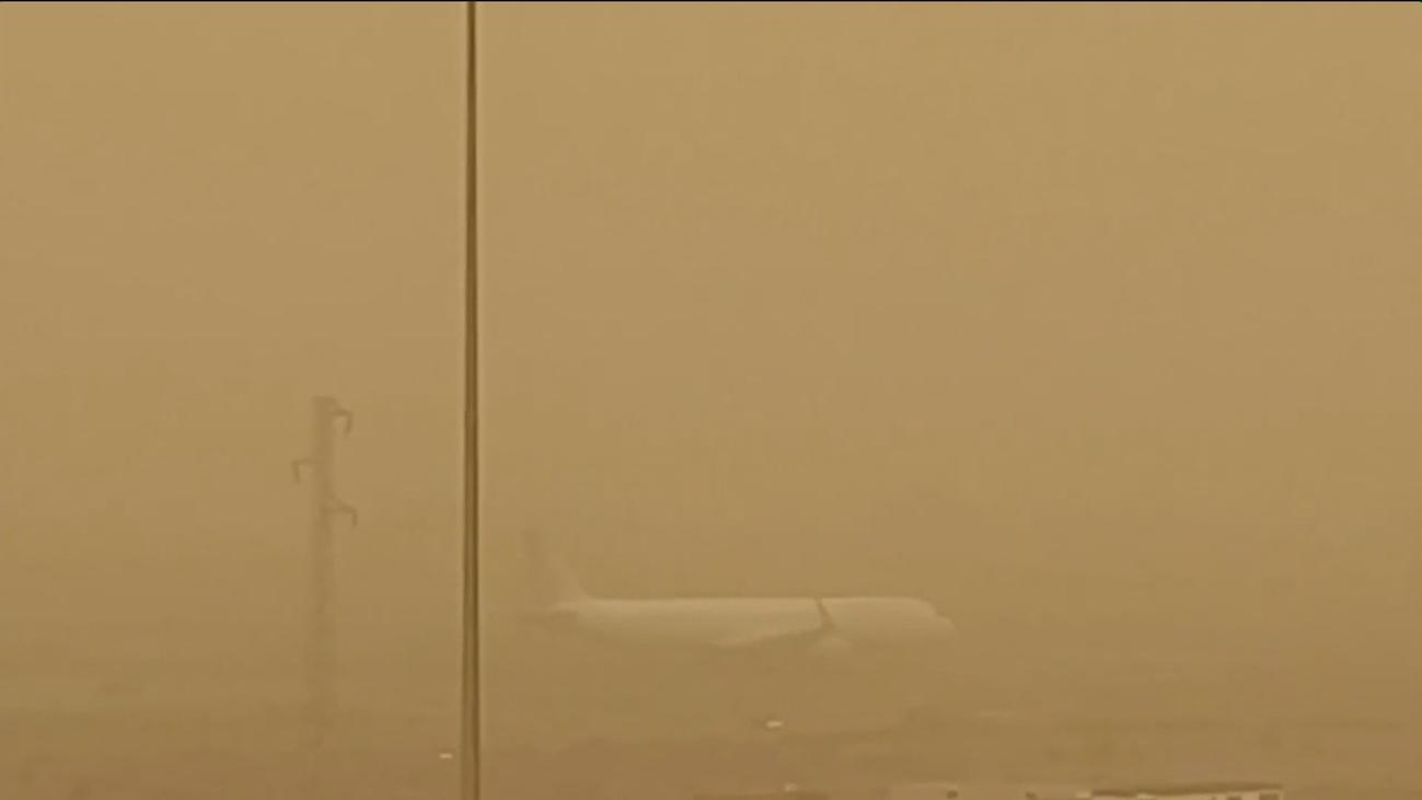 La calima deja inoperativos tres aeropuertos de Canarias