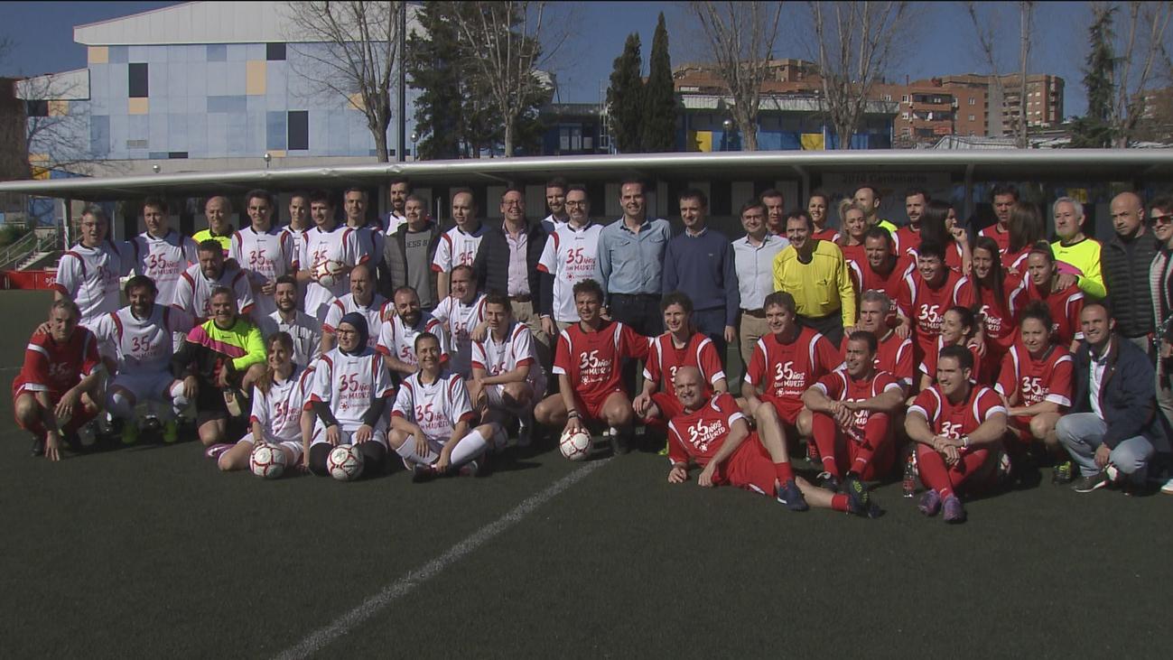 Políticos y periodistas firman tablas en el 35º aniversario de Onda Madrid