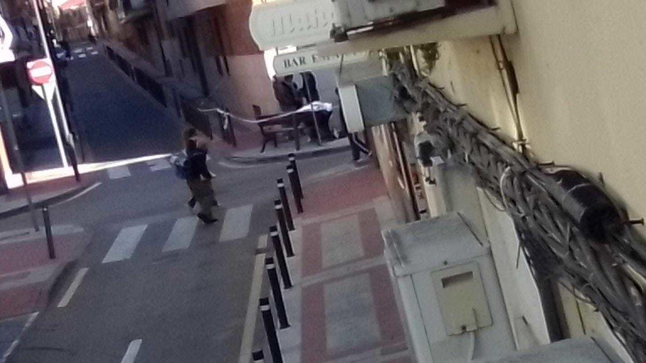 Aparece muerto un hombre en un banco del barrio de la Alhóndiga en Getafe
