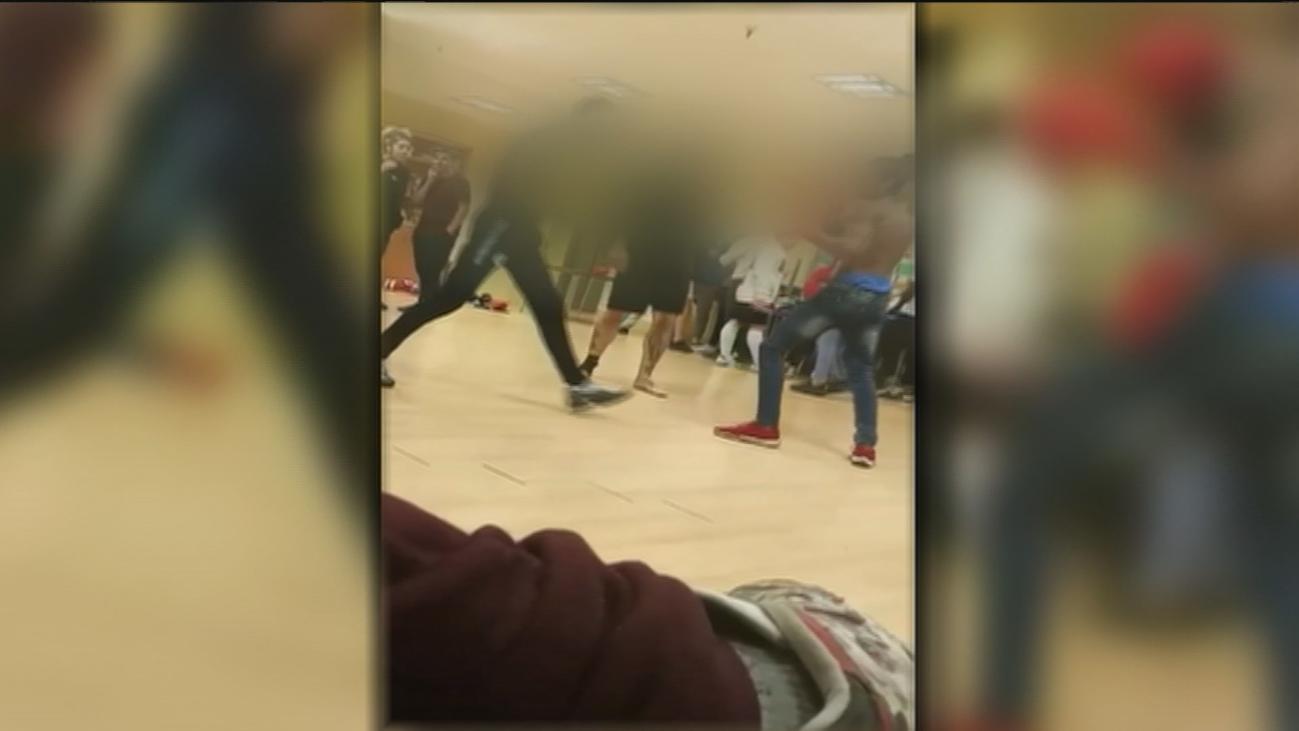 Menores reciben clases de boxeo  sin elementos de protección en San Cristóbal de los Ángeles