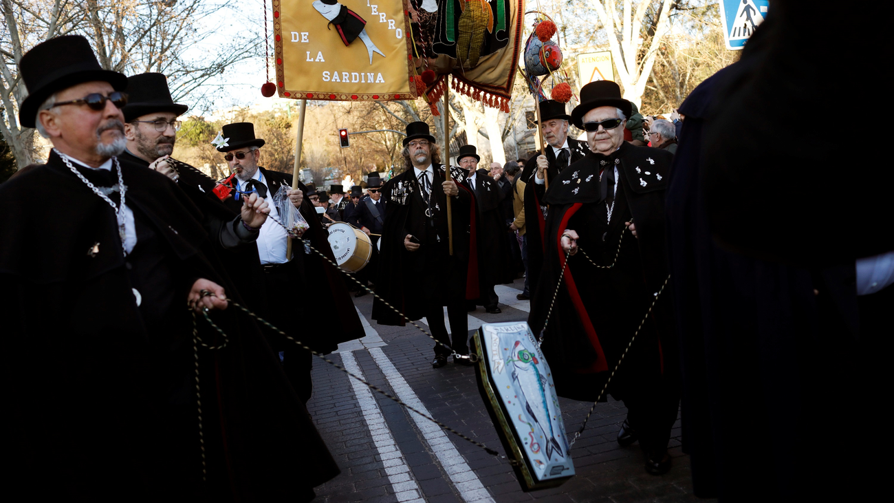 El Carnaval llega a su fin con el entierro de la sardina