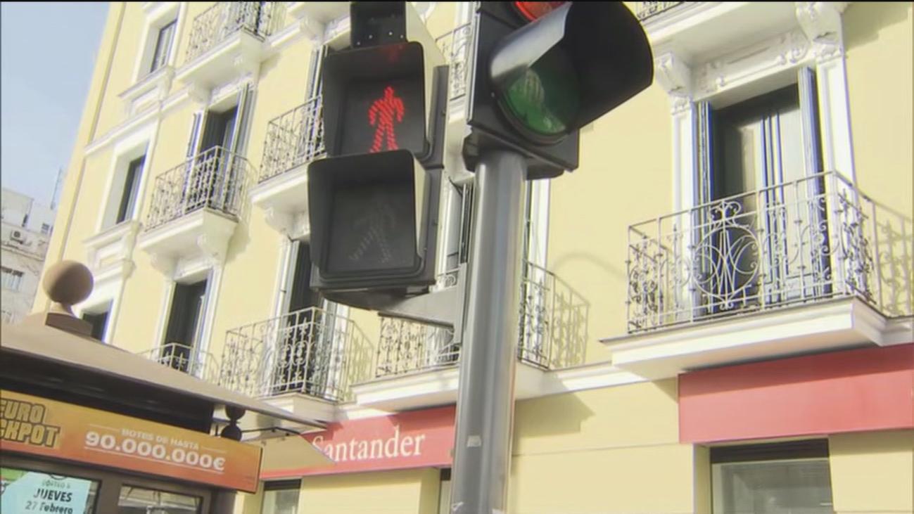 Un semáforo demasiado rápido provoca quejas peatonales