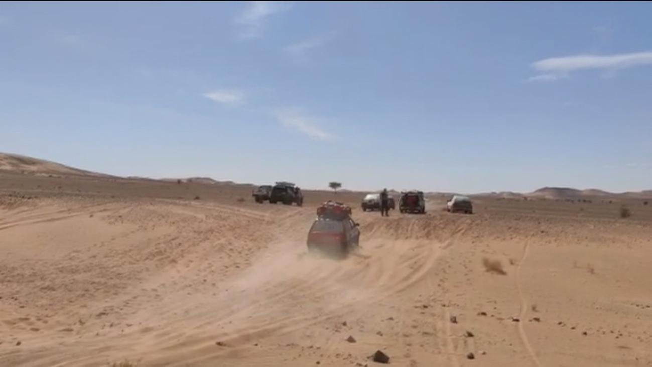 Cuatro estudiantes de Parla llevan a Marruecos 200 kilos de material escolar