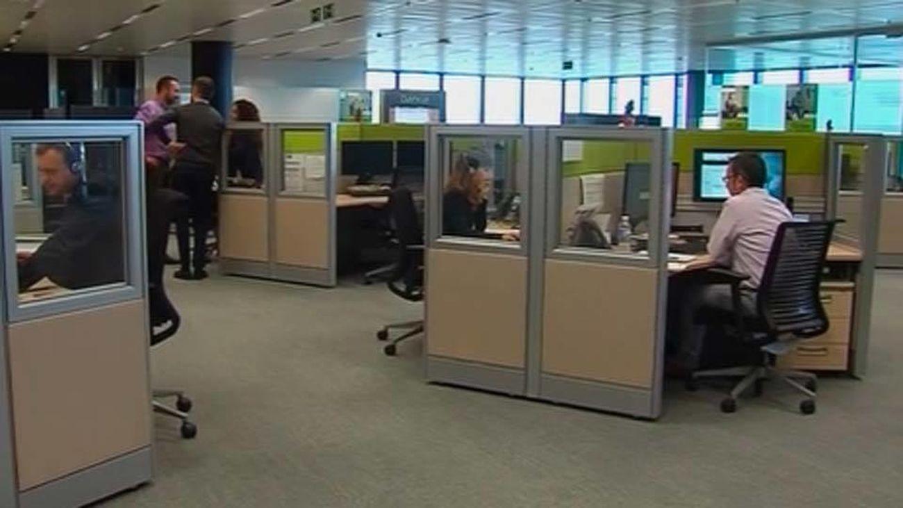 Clientes en una oficina bancaria