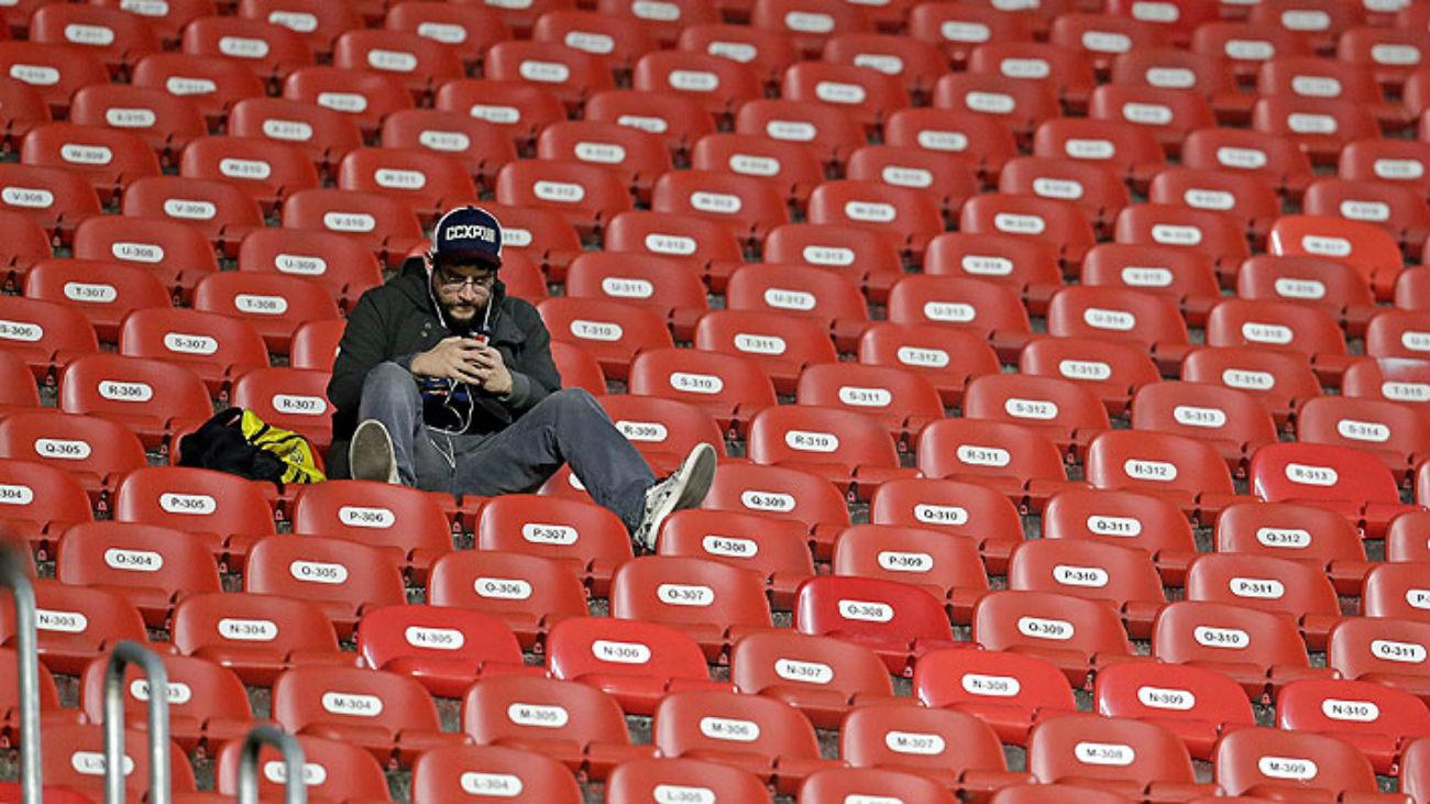 Los estadios se vacían por la crisis del coronavirus