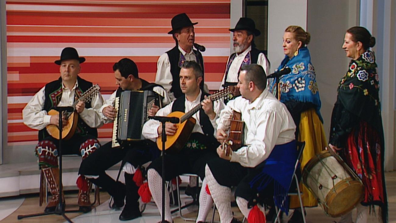 El Grupo Coros y Danzas Villa de Leganés baila la 'Jota de Siberia'