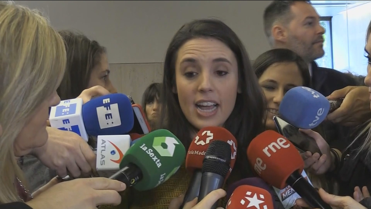 """Montero defiende el empleo de """"sola y borracha, quiero llegar a casa"""" en una campaña de su Ministerio"""