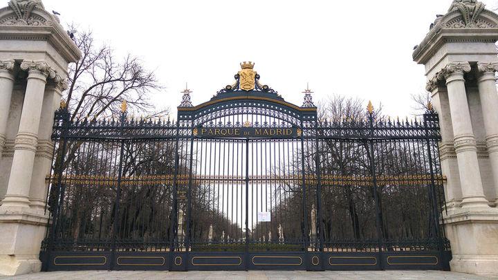 Los parques y zonas infantiles de Madrid permanecen cerrados
